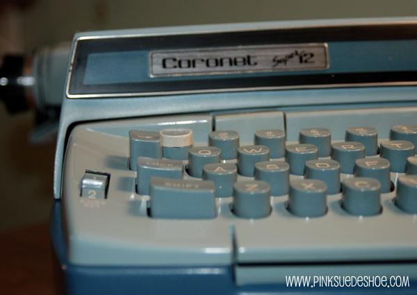 Vintage Turquoise Coronet Typewriter